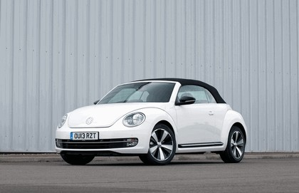 2013 Volkswagen Beetle cabriolet 60s white edition - UK version 1