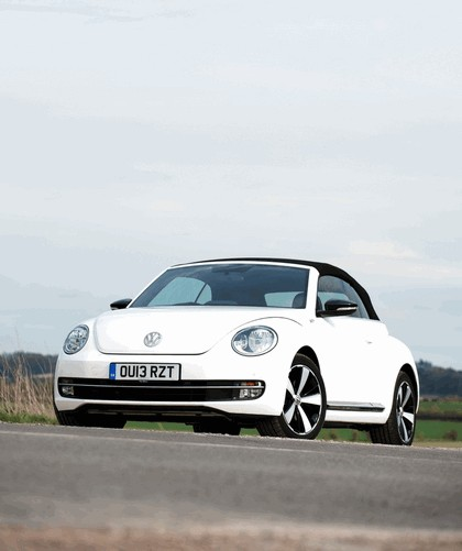 2013 Volkswagen Beetle cabriolet 60s white edition - UK version 5