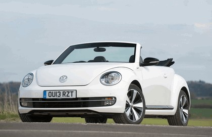 2013 Volkswagen Beetle cabriolet 60s white edition - UK version 7
