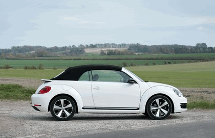 2013 Volkswagen Beetle cabriolet 60s white edition - UK version 8