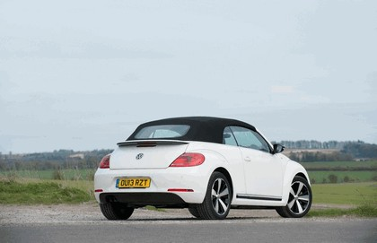 2013 Volkswagen Beetle cabriolet 60s white edition - UK version 10