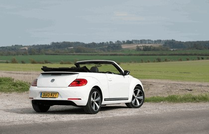 2013 Volkswagen Beetle cabriolet 60s white edition - UK version 11