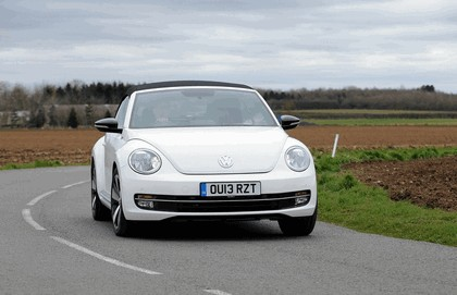 2013 Volkswagen Beetle cabriolet 60s white edition - UK version 12