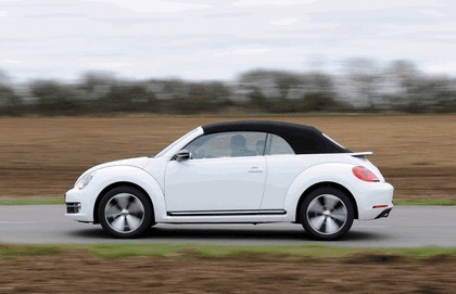 2013 Volkswagen Beetle cabriolet 60s white edition - UK version 14