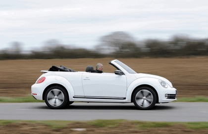 2013 Volkswagen Beetle cabriolet 60s white edition - UK version 15