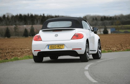 2013 Volkswagen Beetle cabriolet 60s white edition - UK version 16