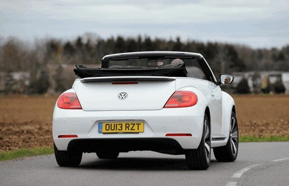 2013 Volkswagen Beetle cabriolet 60s white edition - UK version 17