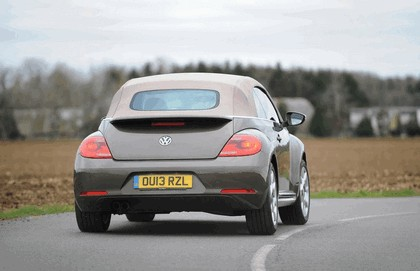 2013 Volkswagen Beetle cabriolet 70s edition - UK version 8