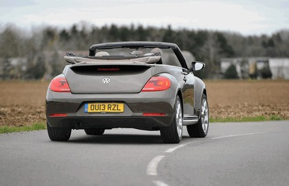 2013 Volkswagen Beetle cabriolet 70s edition - UK version 9