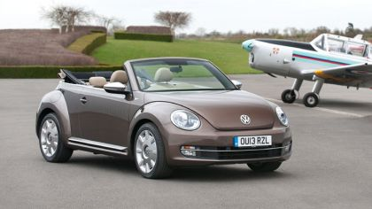 2013 Volkswagen Beetle cabriolet 70s edition - UK version 6