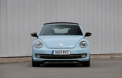 2013 Volkswagen Beetle cabriolet sport - UK version 2