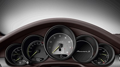 2013 Porsche Panamera S E-Hybrid 5