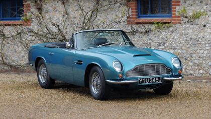 1965 Aston Martin DB6 Vantage Volante 3