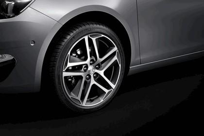 2013 Peugeot 308 5-door 26