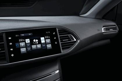 2013 Peugeot 308 5-door 42