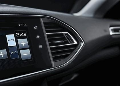 2013 Peugeot 308 5-door 43