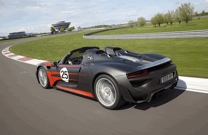 2013 Porsche 918 Spyder prototype 3
