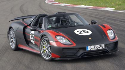 2013 Porsche 918 Spyder prototype 9
