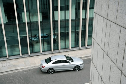 2013 Mercedes-Benz CLA ( C117 ) 180 - UK version 7