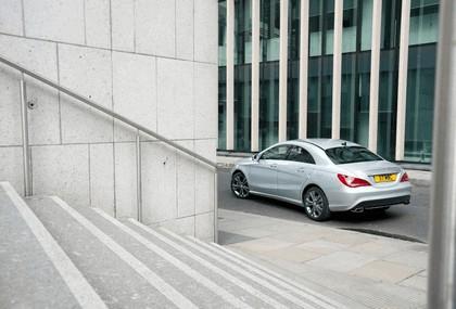 2013 Mercedes-Benz CLA ( C117 ) 180 - UK version 9