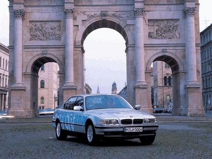 2000 BMW 750hL ( E38 ) Hydrogen V12 CleanEnergy concept 5