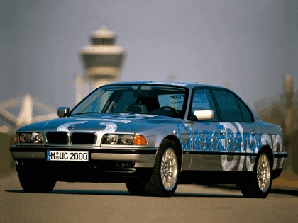 2000 BMW 750hL ( E38 ) Hydrogen V12 CleanEnergy concept 10