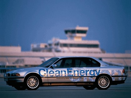 2000 BMW 750hL ( E38 ) Hydrogen V12 CleanEnergy concept 11