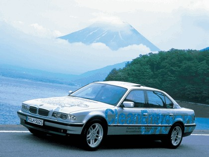 2000 BMW 750hL ( E38 ) Hydrogen V12 CleanEnergy concept 22