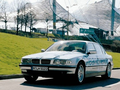 2000 BMW 750hL ( E38 ) Hydrogen V12 CleanEnergy concept 26