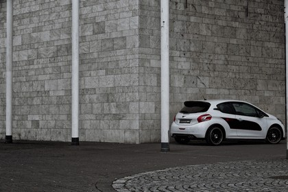 2013 Peugeot 208 engarde by Musketier 12