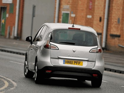 2012 Renault Scenic - UK version 4