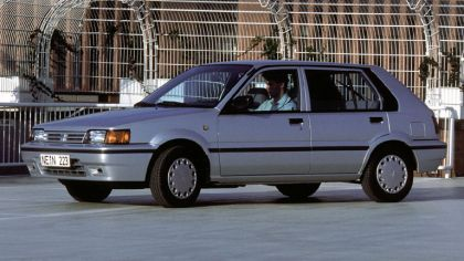 1986 Nissan Sunny ( N13 ) 5-door hatchback 1.6 SLX 8