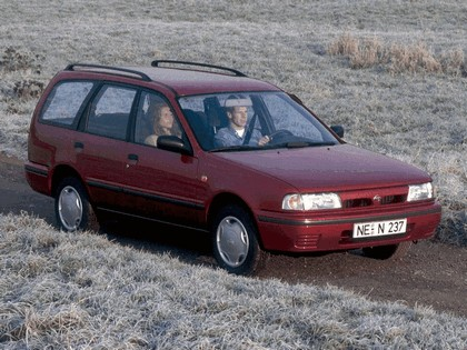1990 Nissan Sunny ( Y10 ) Traveller 1