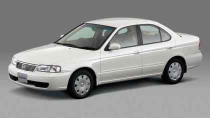 2002 Nissan Sunny ( B15 ) 8