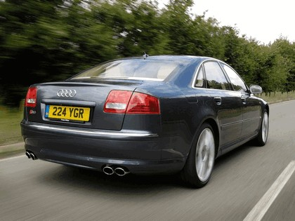 2005 Audi S8 ( D3 ) - UK version 3