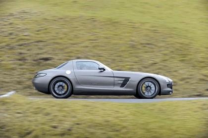2013 Mercedes-Benz SLS 63 AMG GT 39