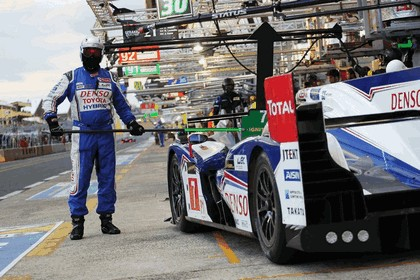 2013 Toyota TS030 Hybrid - Le Mans 24 Hours qualifying 12
