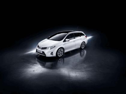 2013 Toyota Hybrid Touring Sports 2