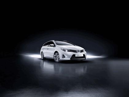 2013 Toyota Hybrid Touring Sports 4