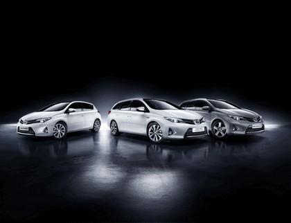 2013 Toyota Hybrid Touring Sports 5