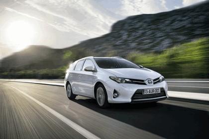 2013 Toyota Hybrid Touring Sports 7