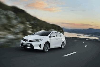 2013 Toyota Hybrid Touring Sports 9