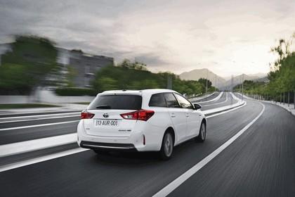 2013 Toyota Hybrid Touring Sports 12