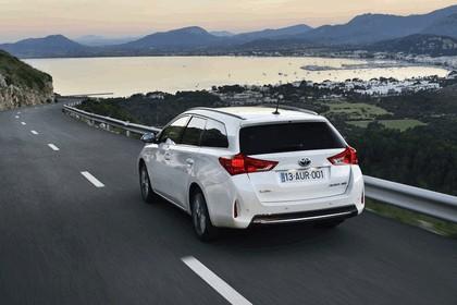 2013 Toyota Hybrid Touring Sports 13