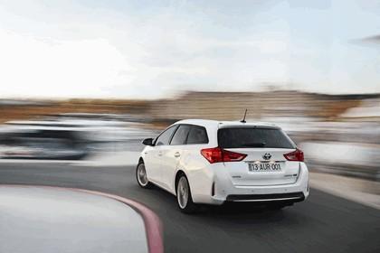 2013 Toyota Hybrid Touring Sports 14