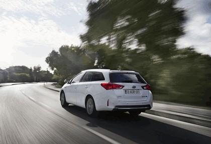 2013 Toyota Hybrid Touring Sports 16