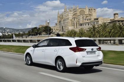 2013 Toyota Hybrid Touring Sports 21