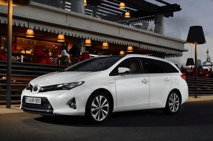 2013 Toyota Hybrid Touring Sports 22