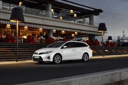 2013 Toyota Hybrid Touring Sports 23