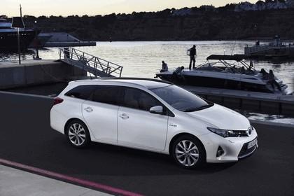 2013 Toyota Hybrid Touring Sports 25
